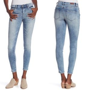 Blank NYC Bond Mid Rise Skinny Jeans Size 27 NWT